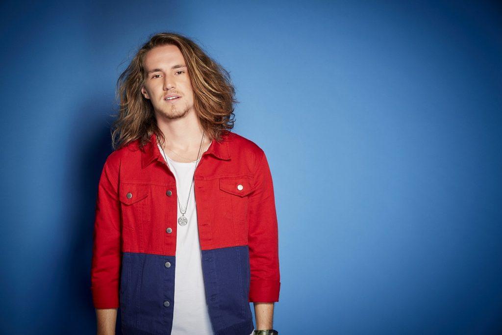 Vitor Kley, artista de música pop brasileira O Sol