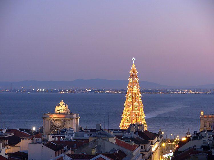 Luzes de Natal em Lisboa acedem na sexta-feira
