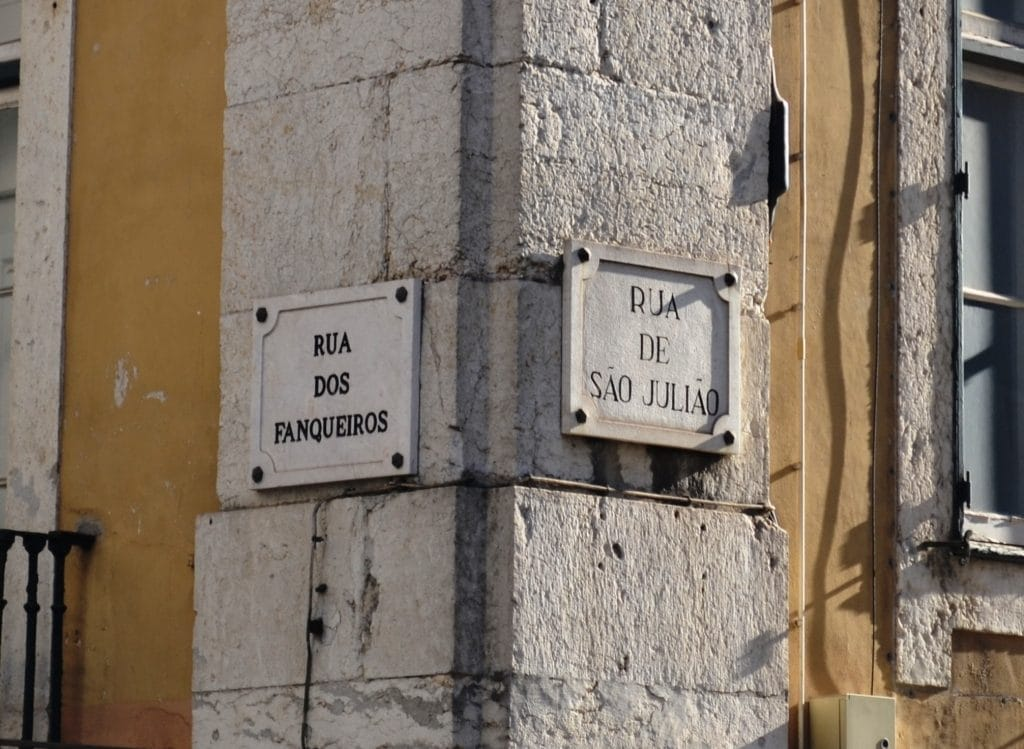 Sabes a história da rua onde moras?