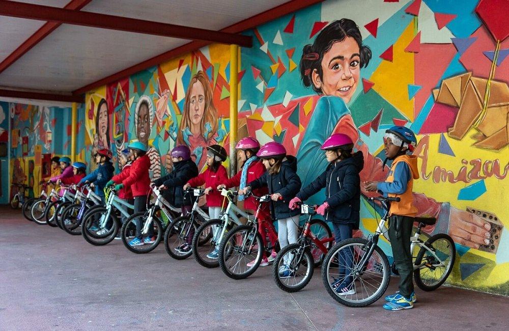 """""""Lisboa sem Rodinhas"""" ensina 1500 crianças a andar de bicicleta"""