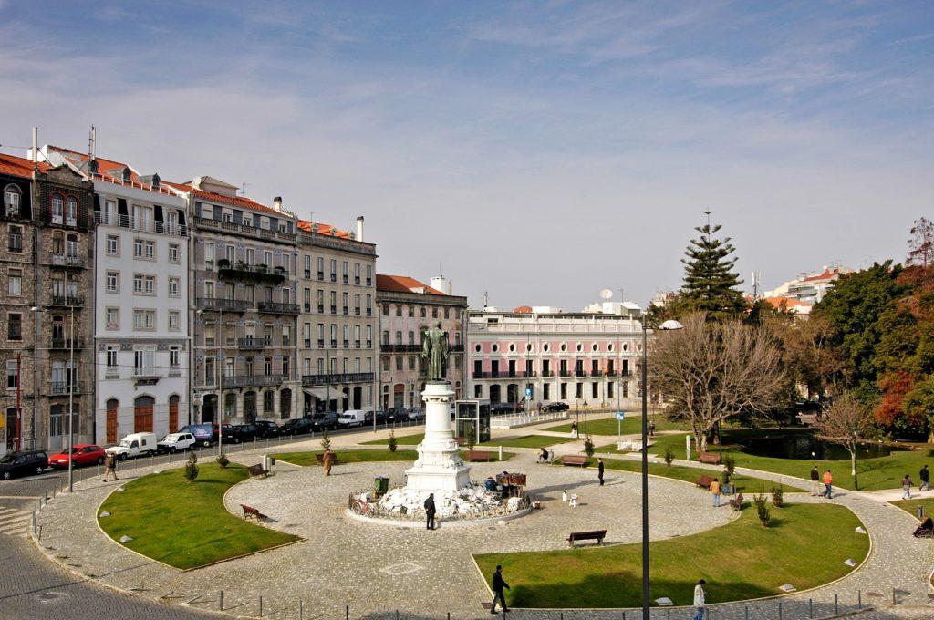 Lisboa e Porto têm mais em comum do que pensas, por exemplo o nome destas ruas
