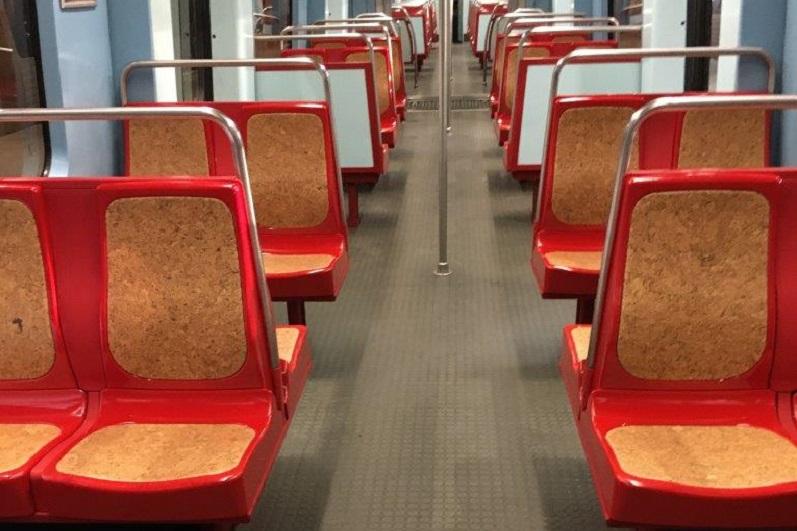 Metro vai renovar bancos de todas as carruagens