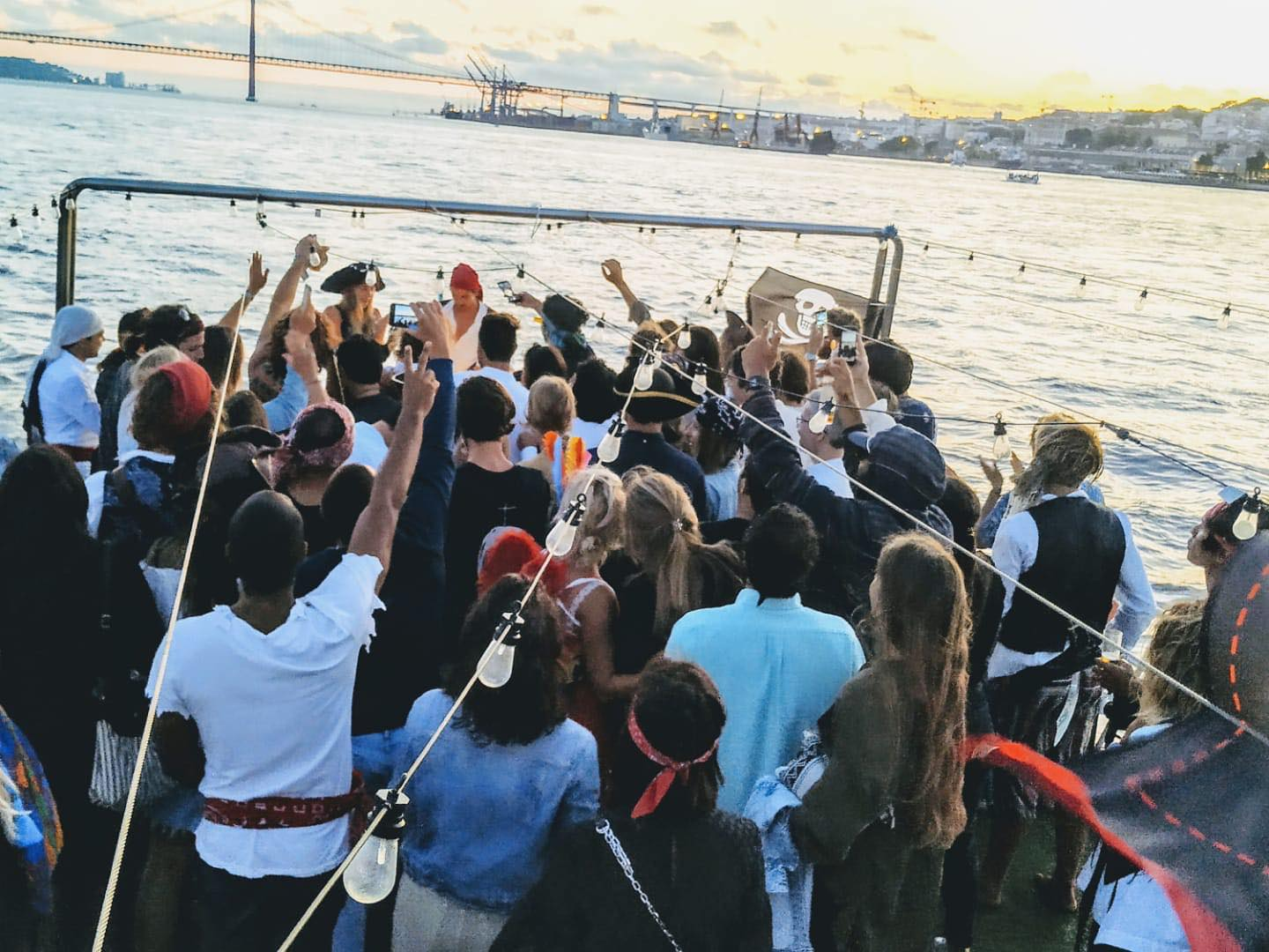 Carnaval Sunset Boat Party com bar aberto