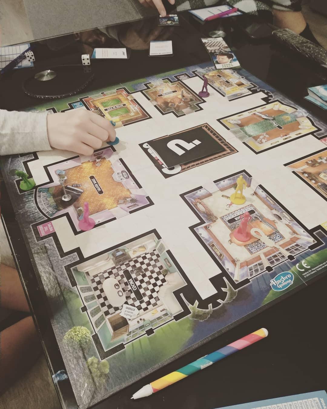 jogo de tabuleiro cluedo