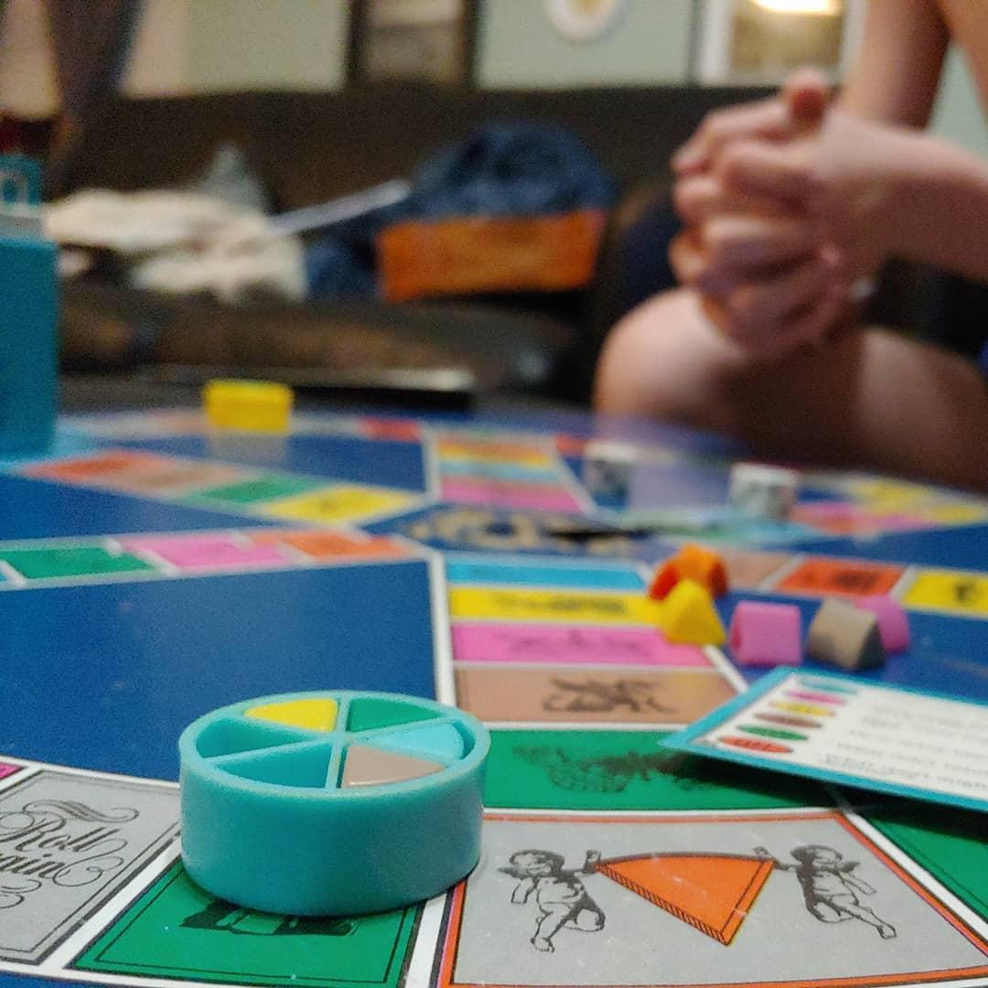 jogo de tabuleiro trivial pursuit