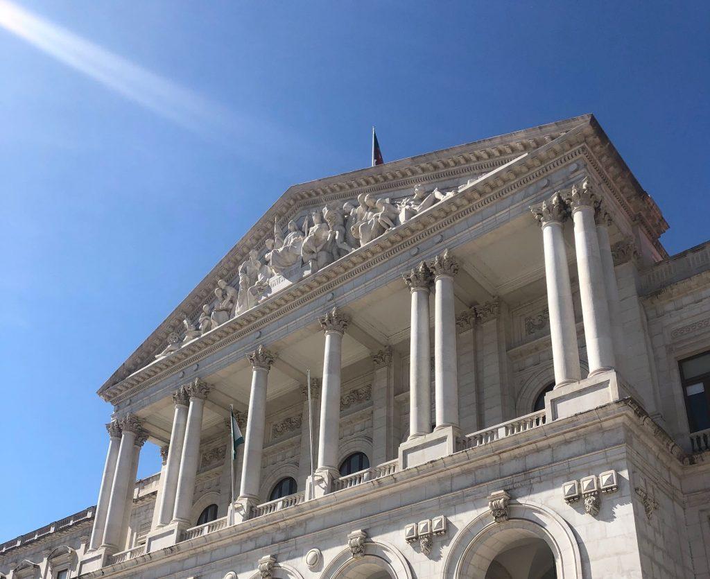 fachada da Assembleia da República de Portugal