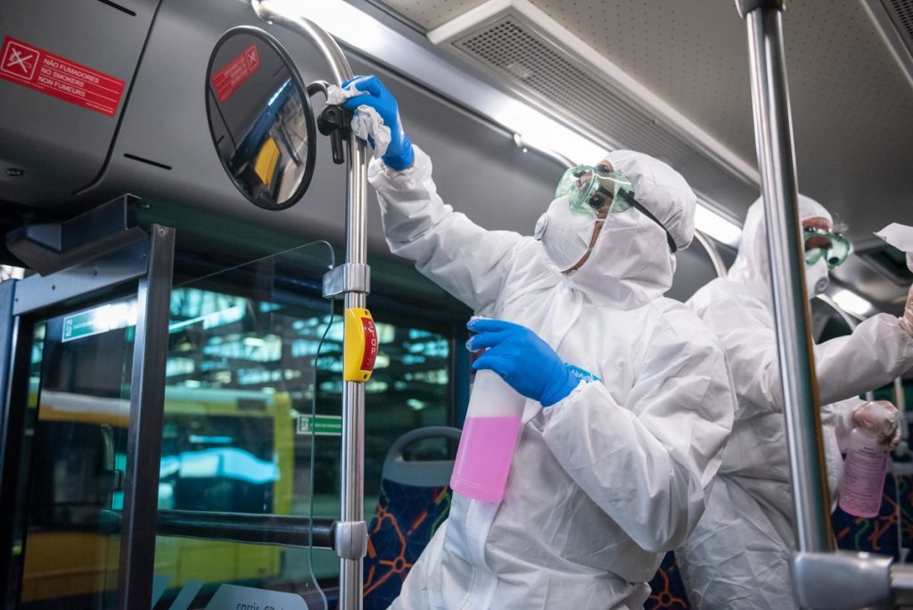 limpeza dos transportes da carris de lisboa em virtude do coronavírus