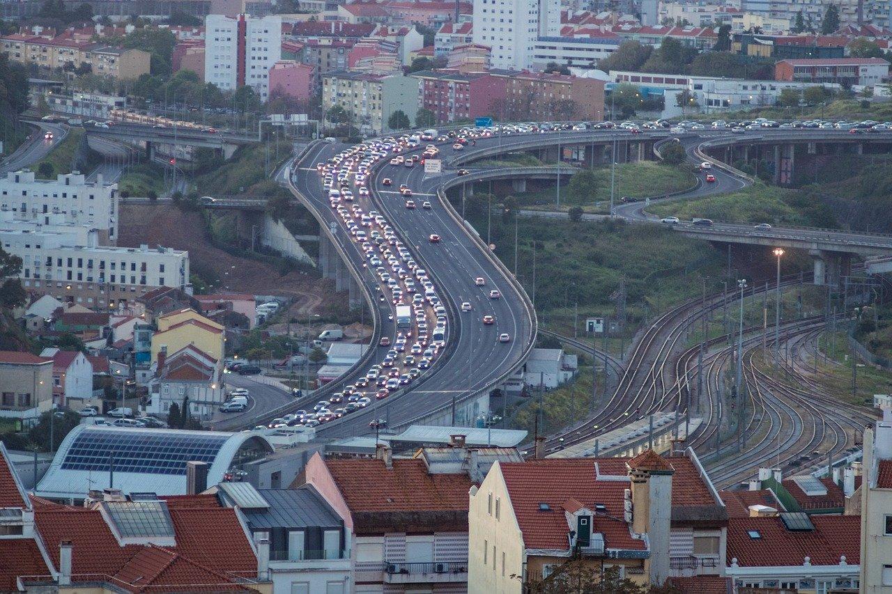 trânsito intenso na segunda circular em lisboa