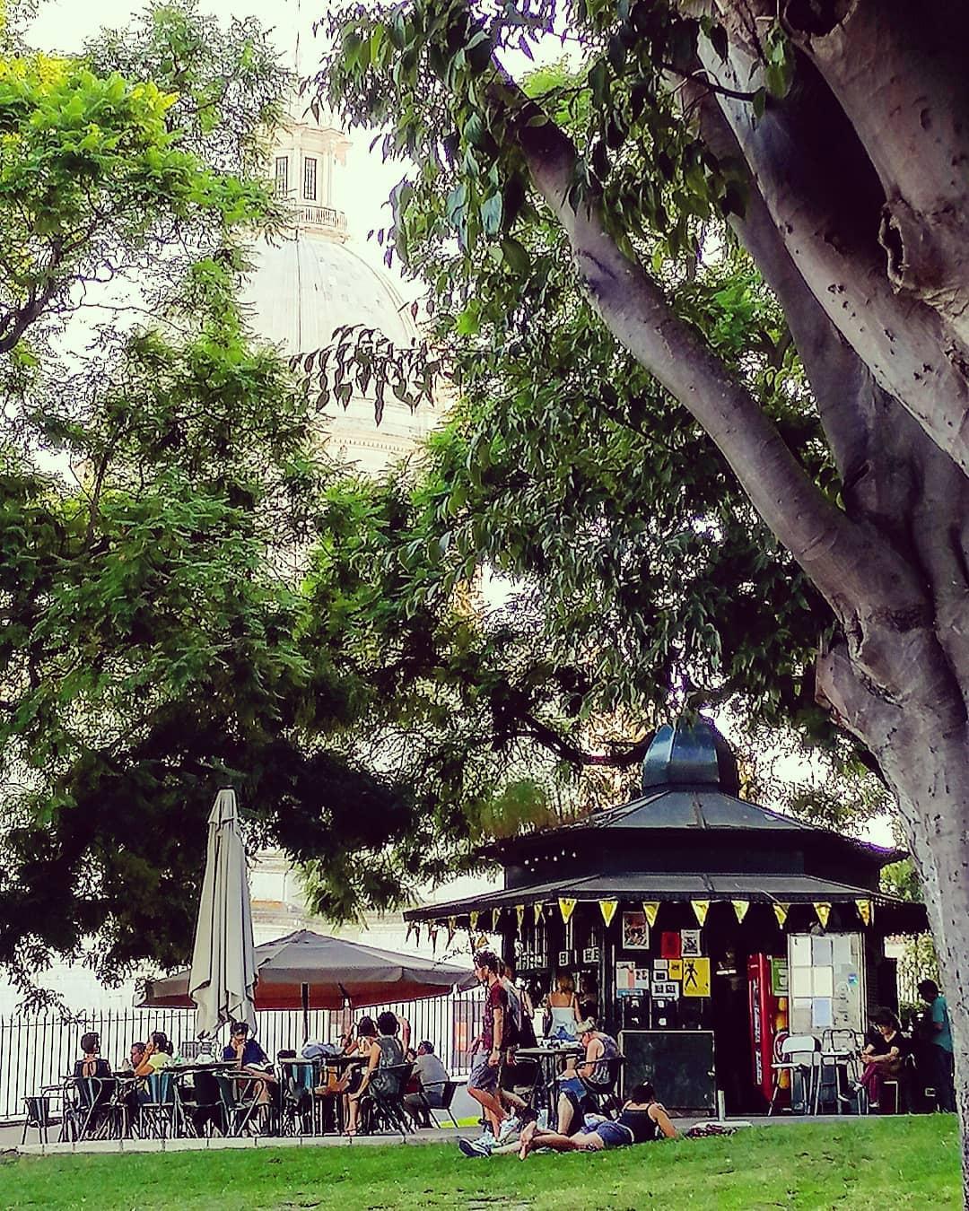 quiosque no Jardim Botto Machado em lisboa