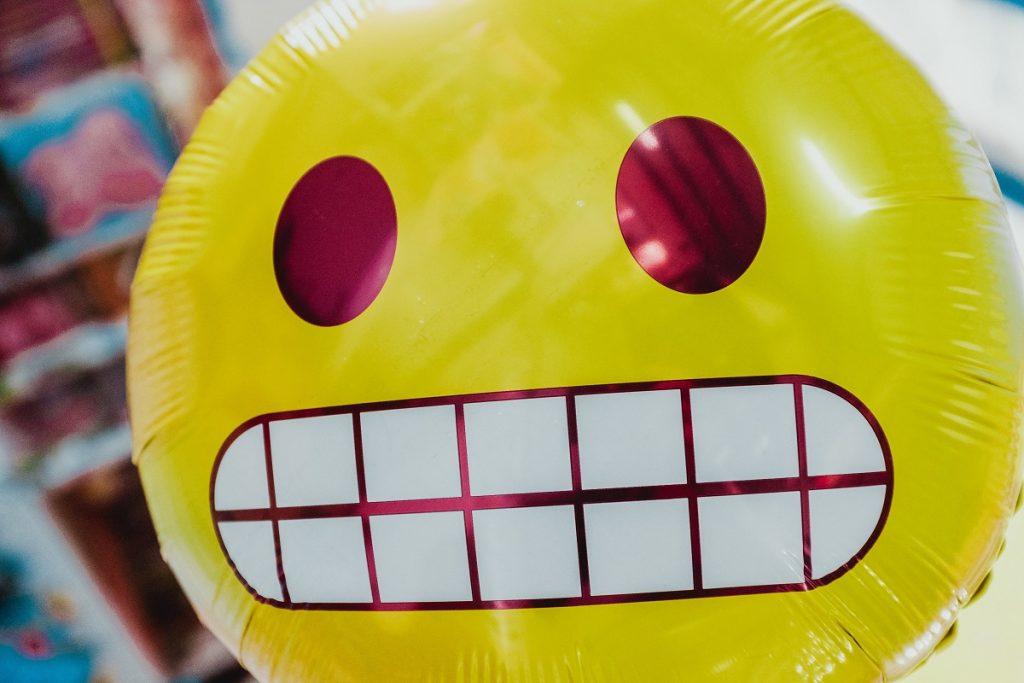 balão em formato de emoji