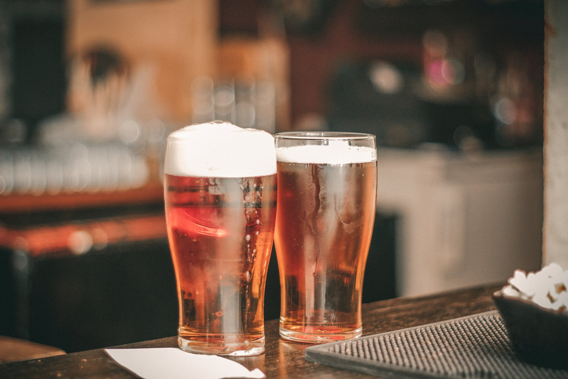 Fica em casa, mas com a cerveja artesanal da Gulden Draak