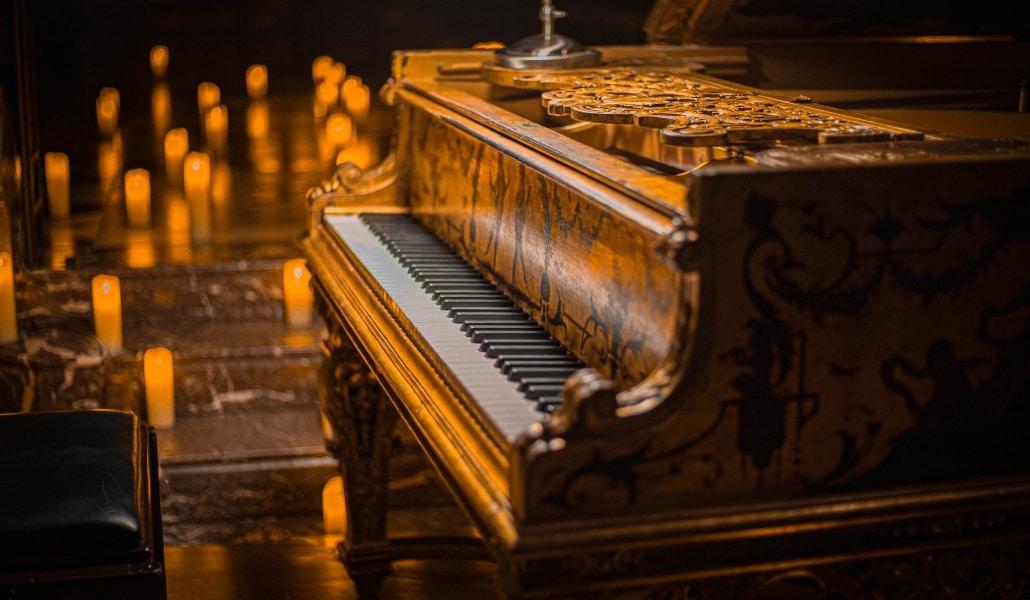 Um tributo a Ludovico Einaudi, ao piano e à luz das velas