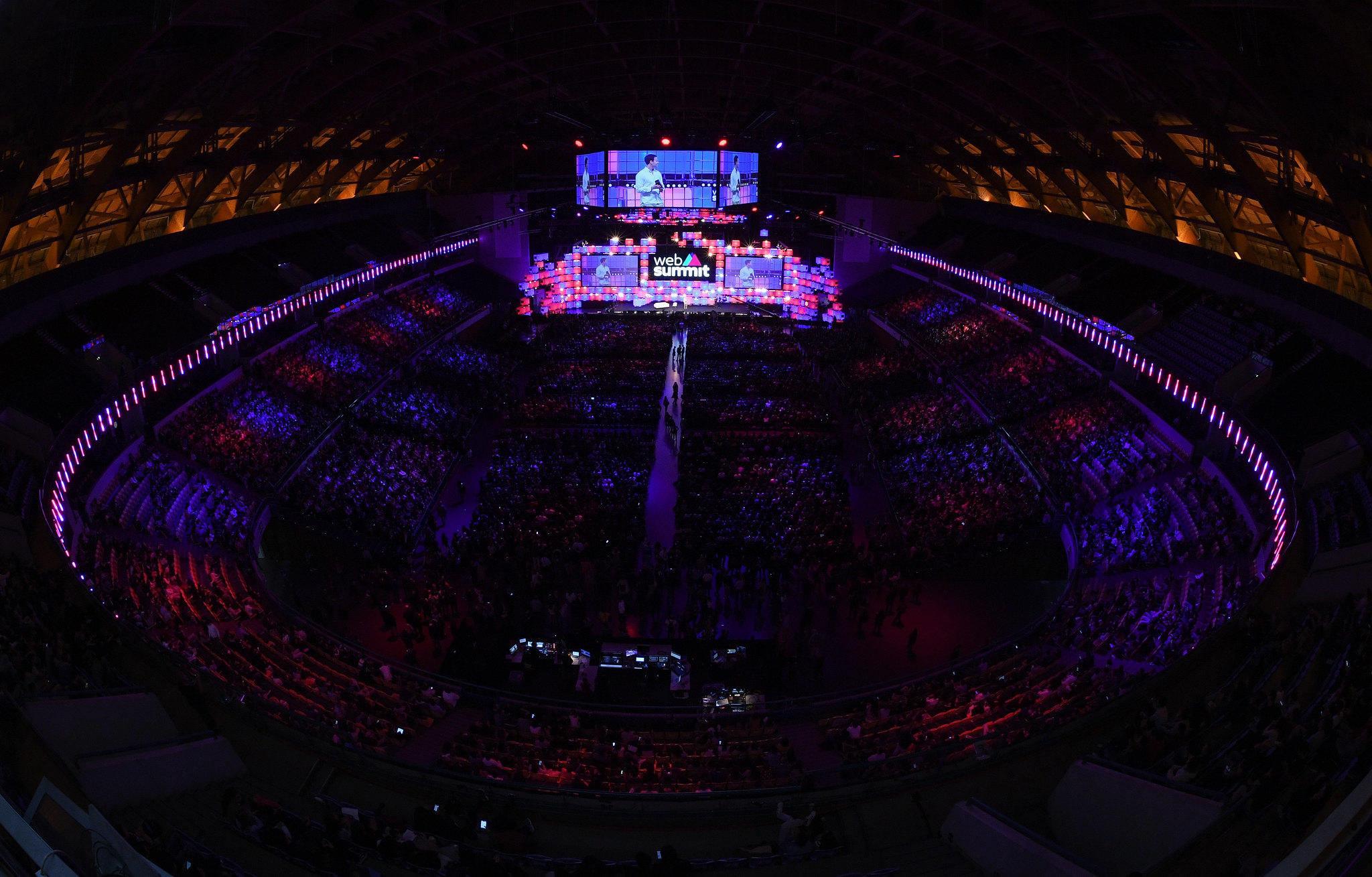foto aérea do web summit em lisboa