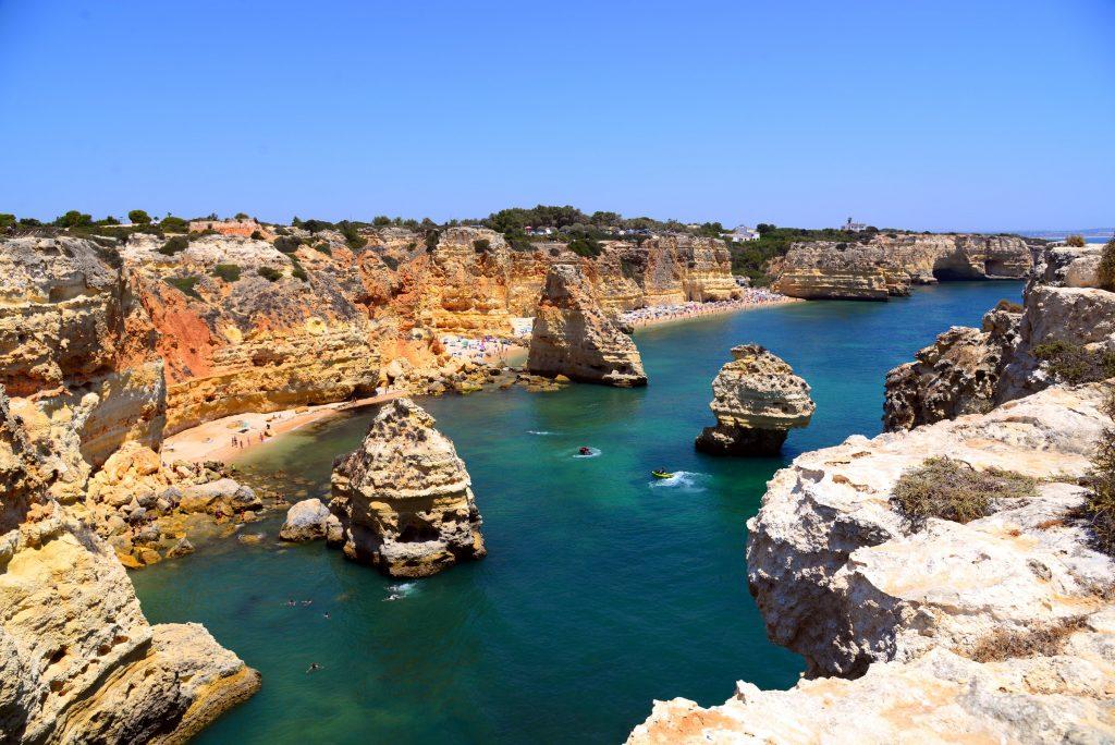 praias na costa algarvia