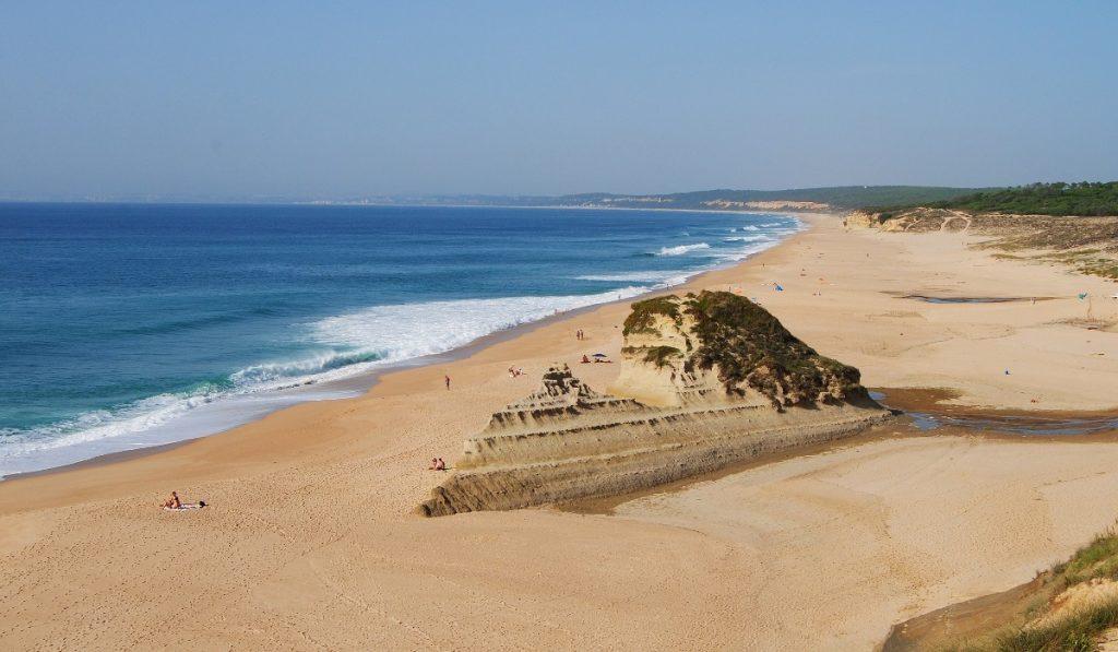As 9 praias – oficiais – para naturistas que existem em Portugal