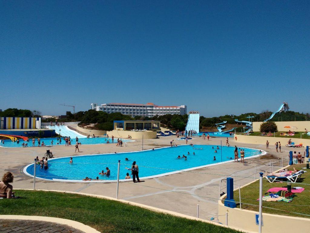 vista panorâmica sobre as piscinas sportágua