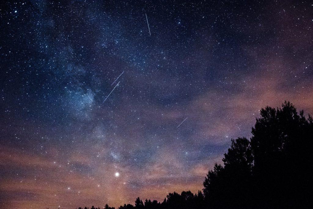 Chuva de meteoros Perseidas: quando, como e onde ver em Portugal