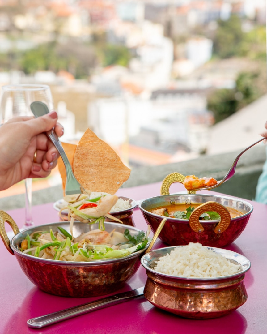 saladas orientais e mediterrâneas no lost in