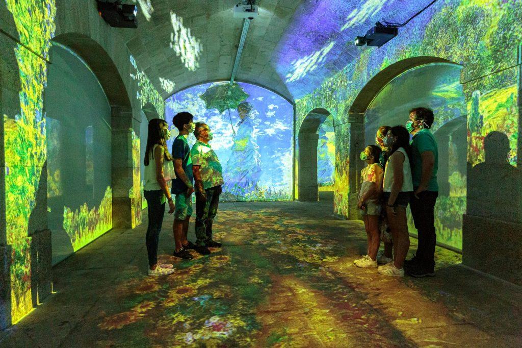 Descobre o universo de Monet e Klimt num espetáculo imersivo na Alfândega do Porto