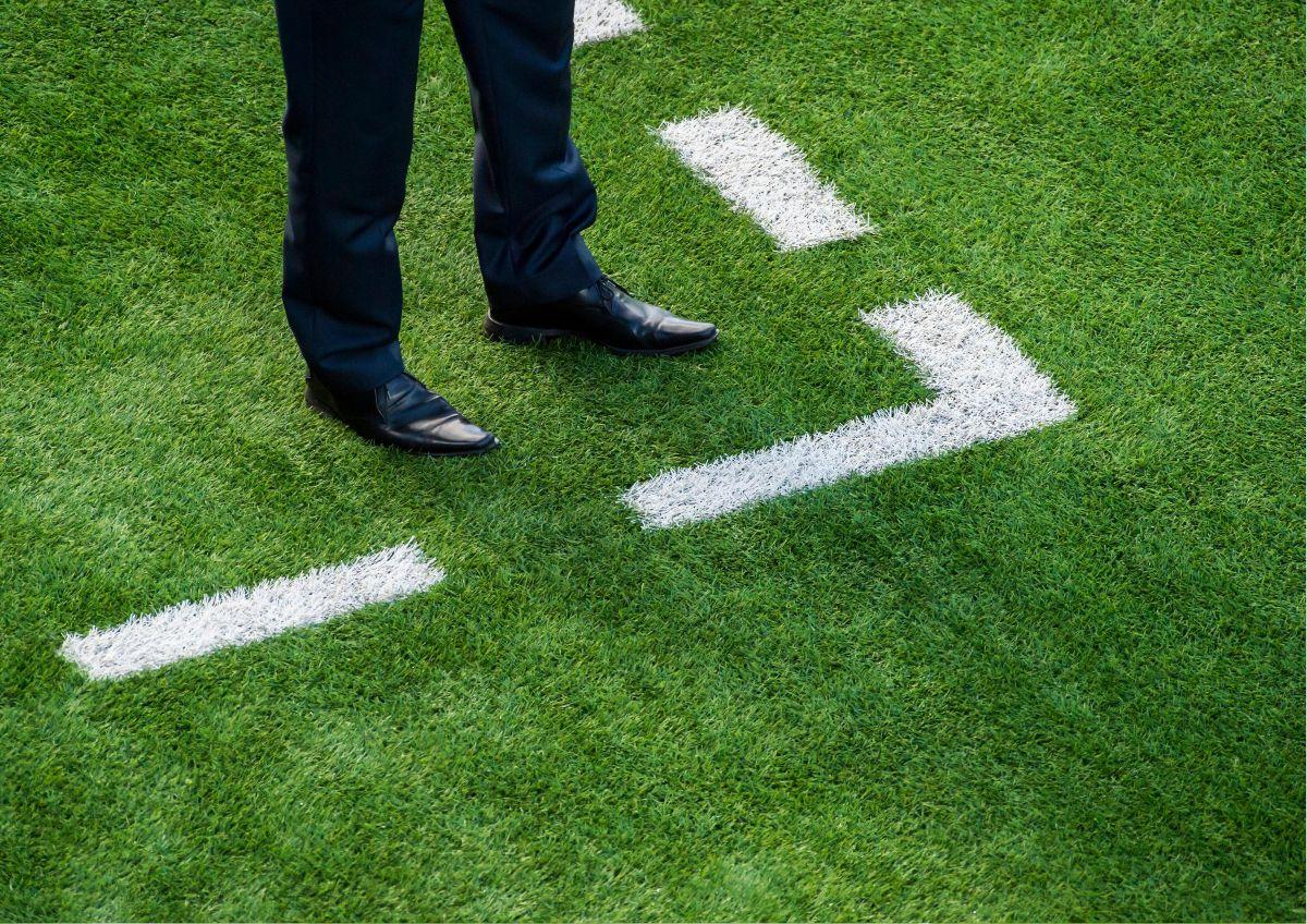 coach football motion