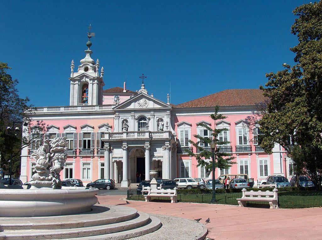 10 lugares em Lisboa onde o cor de rosa se destaca