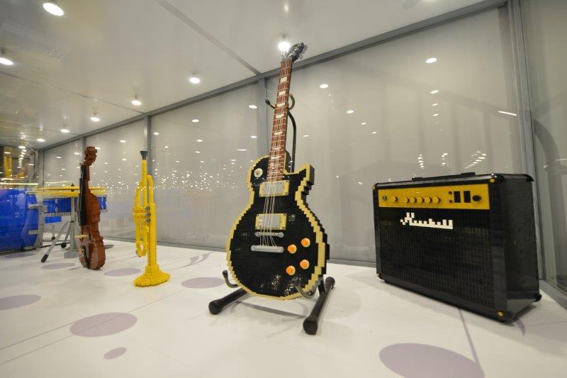 instrumentos musicais em LEGO