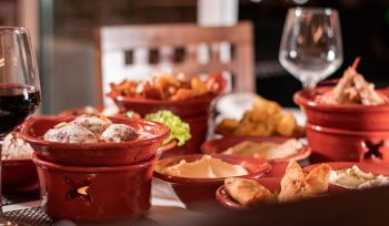 Um restaurante libanês em Lisboa com degustação, all you can eat e dança do ventre