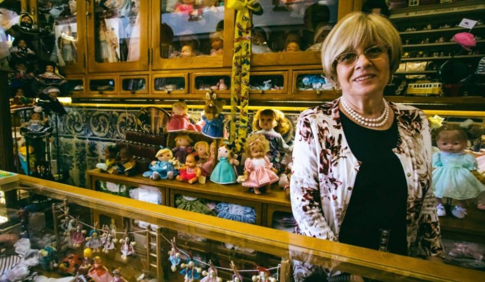 Sítios insólitos em Lisboa: o Hospital de Bonecas, uma loja cheia de histórias de encantar