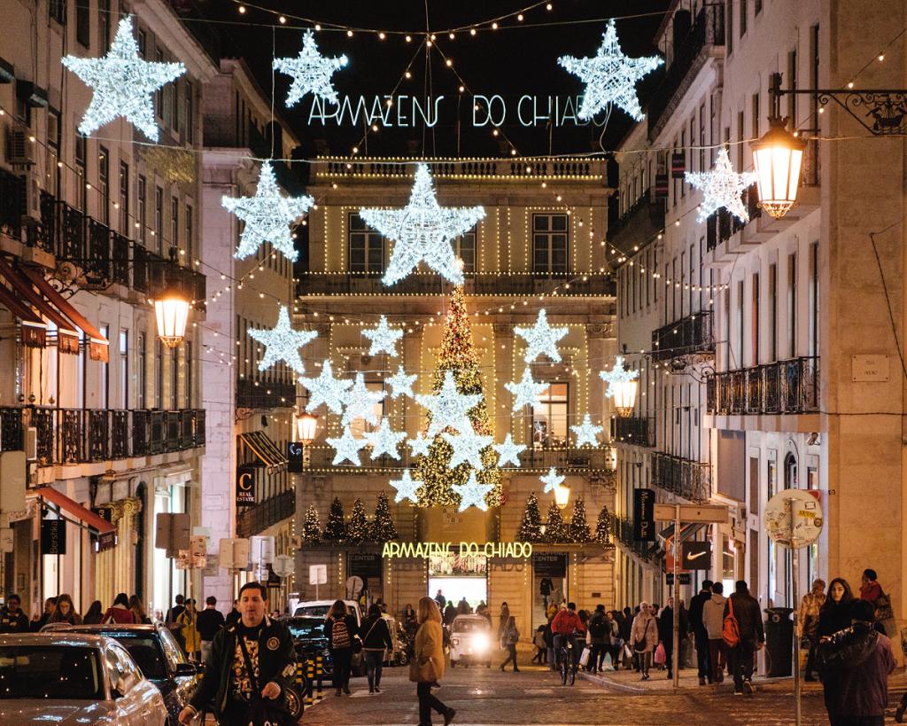 Natal no Chiado: o que ver, fazer e comprar num dos bairros mais natalícios de Lisboa