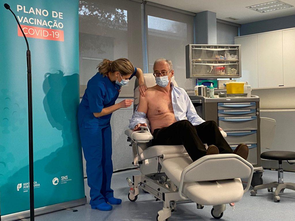 Foram vacinadas 4.534 pessoas no primeiro dia de vacinação em Portugal
