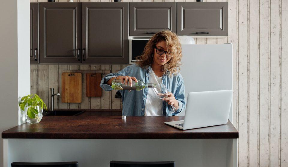 2 degustações + 1 curso online de vinhos para experimentares em casa