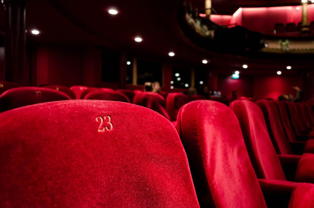 Concertos e peças de teatro para assistires a partir de casa