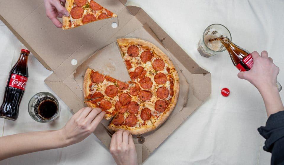 Encomenda numa destas pizzarias, com entrega em casa ou takeaway, e aproveita as promoções