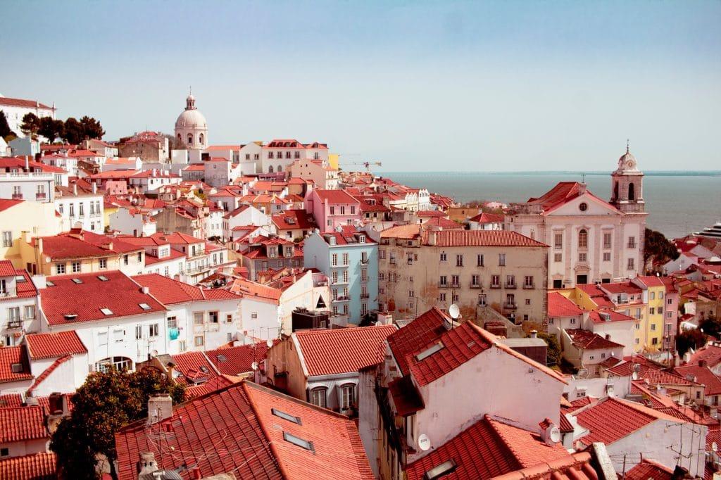 Bairros de Lisboa: Alfama, o mais tradicional e pitoresco da capital