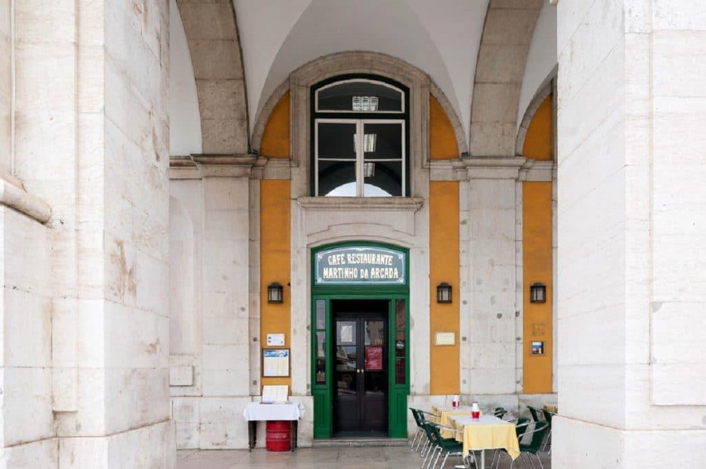 Lojas Históricas de Lisboa: Café Martinho da Arcada, o preferido de Fernando Pessoa