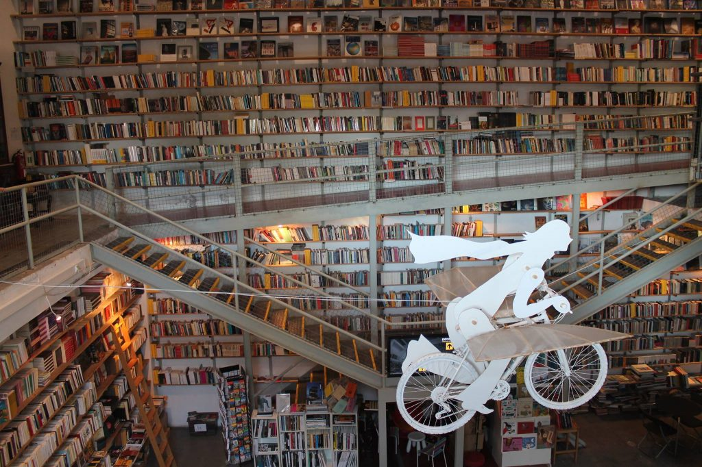 8 livrarias que tens de descobrir em Lisboa (mais projeto extra)