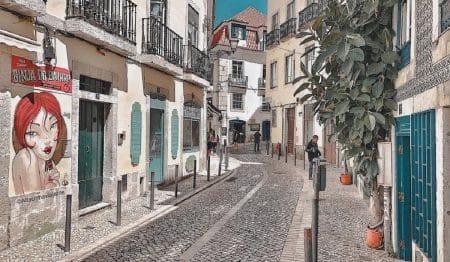 O bairro da Mouraria, pela lente de Jorge Rocha, mais conhecido por o_alfacinha_viajante
