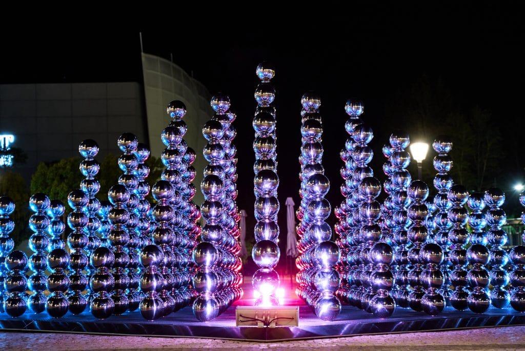 """O artista francês Cyril Lancelin traz as suas mais recentes obras de arte da série """"Half Pyramid"""" a Portugal"""