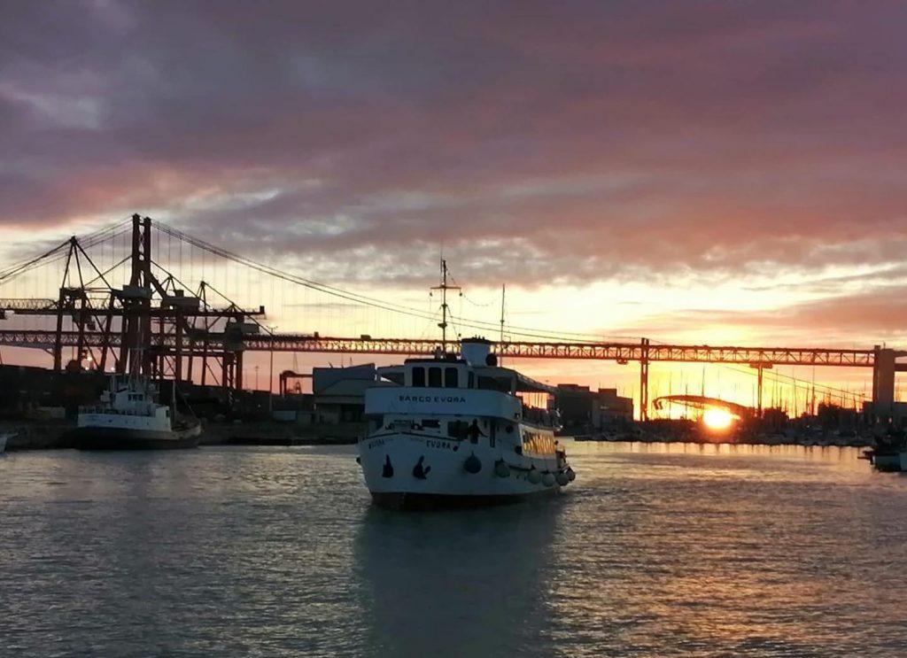 Último pôr do sol no histórico Barco Evora vai acontecer este domingo, dia 26 de setembro