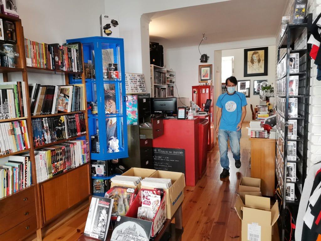 Legendary Books, em Alvalade, faz inauguração oficial do café com exposição de artistas
