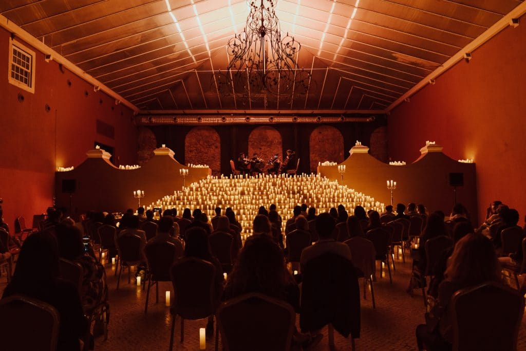 Lisboa vai receber concertos à luz de velas com bandas sonoras de Halloween