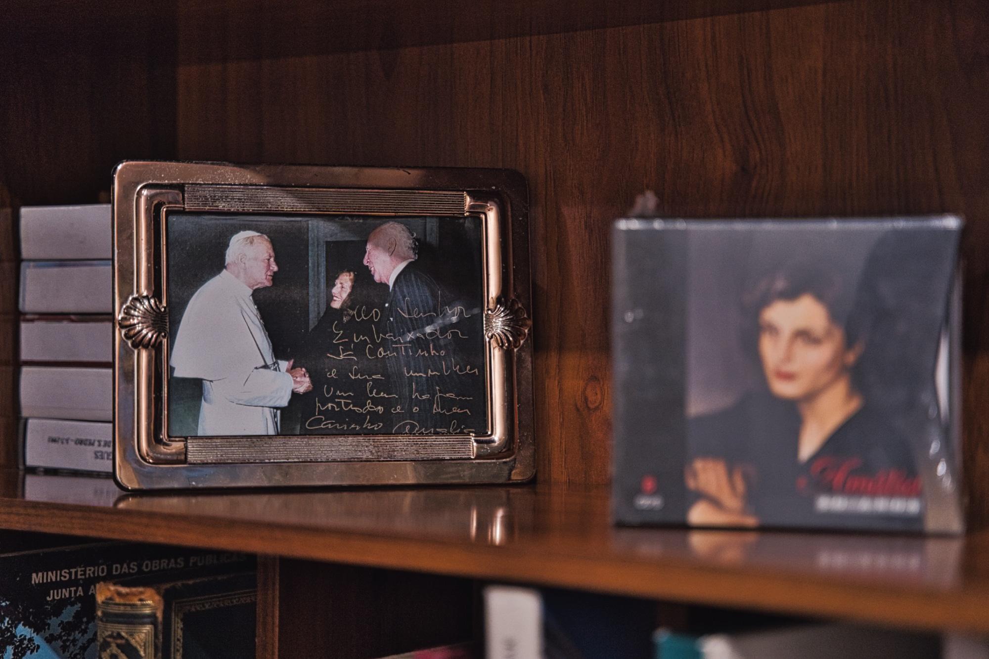 E aqui, na companhia do saudoso Papa João Paulo II.