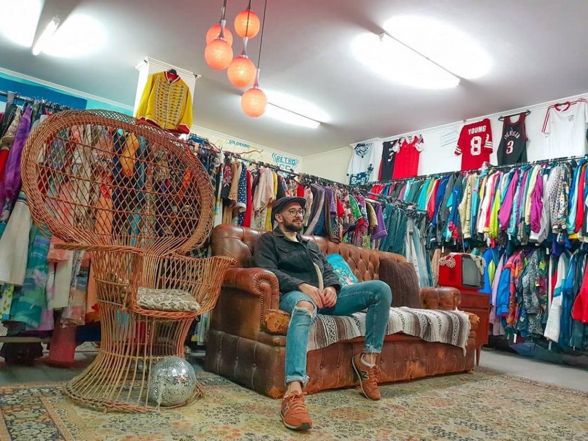 loja segunda-mão no bairro de anjos @caique.chagas