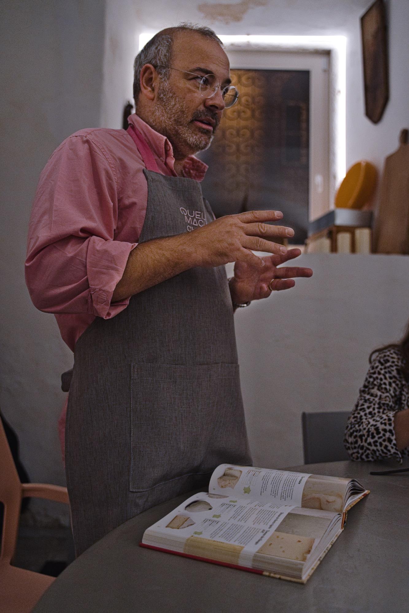 o Cheesemonger João Machado