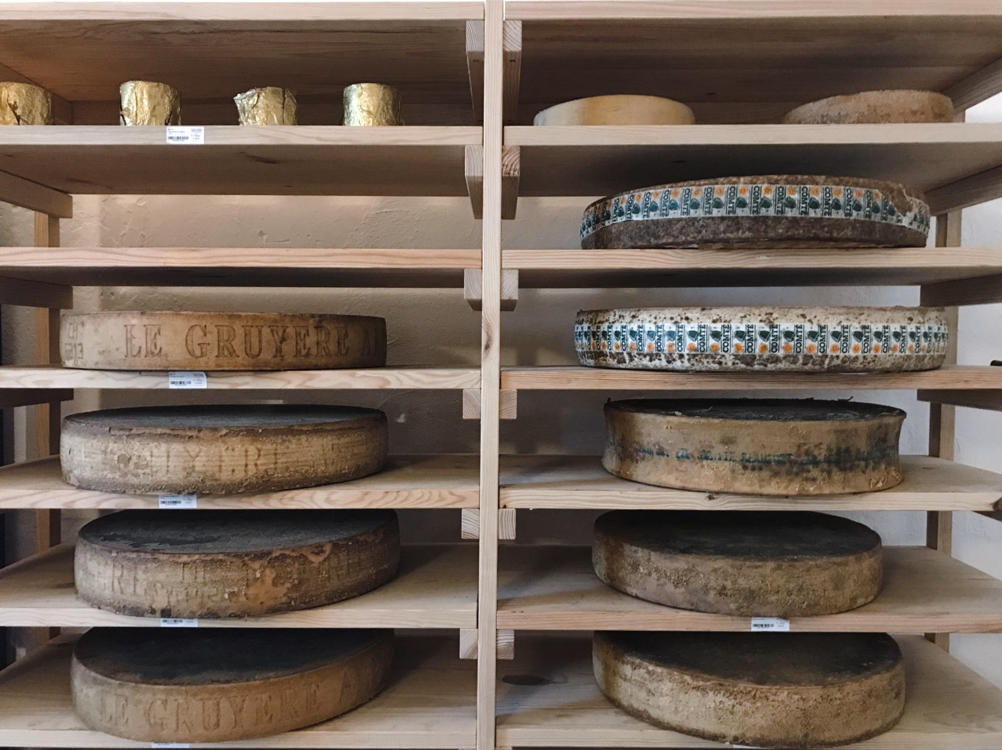 queijos de todo o mundo na Queijaria Machado