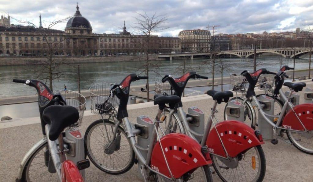 Coronavirus : les Vélo'v gratuits pour le personnel soignant pendant un an