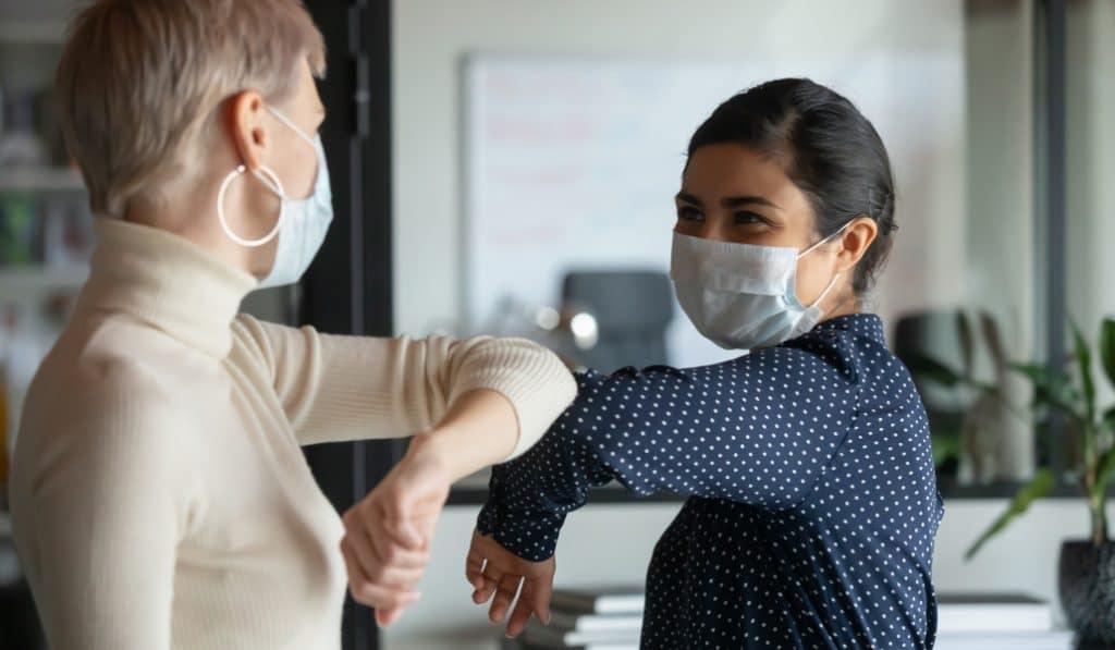 Le port du masque sera obligatoire dans les lieux publics clos dès la semaine prochaine