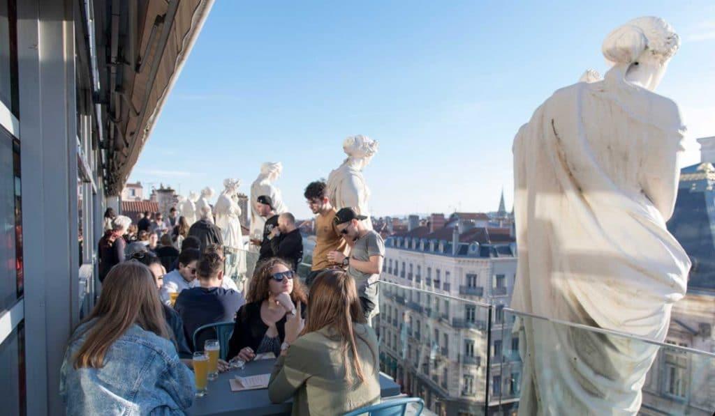 Le bar panoramique des Muses de l'Opéra a rouvert à Lyon !