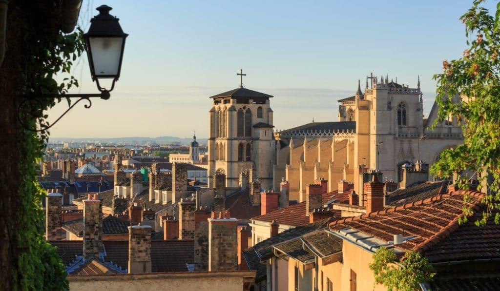 Coronavirus : ouverture autorisée pour les commerces du Rhône tous les dimanches de fêtes !