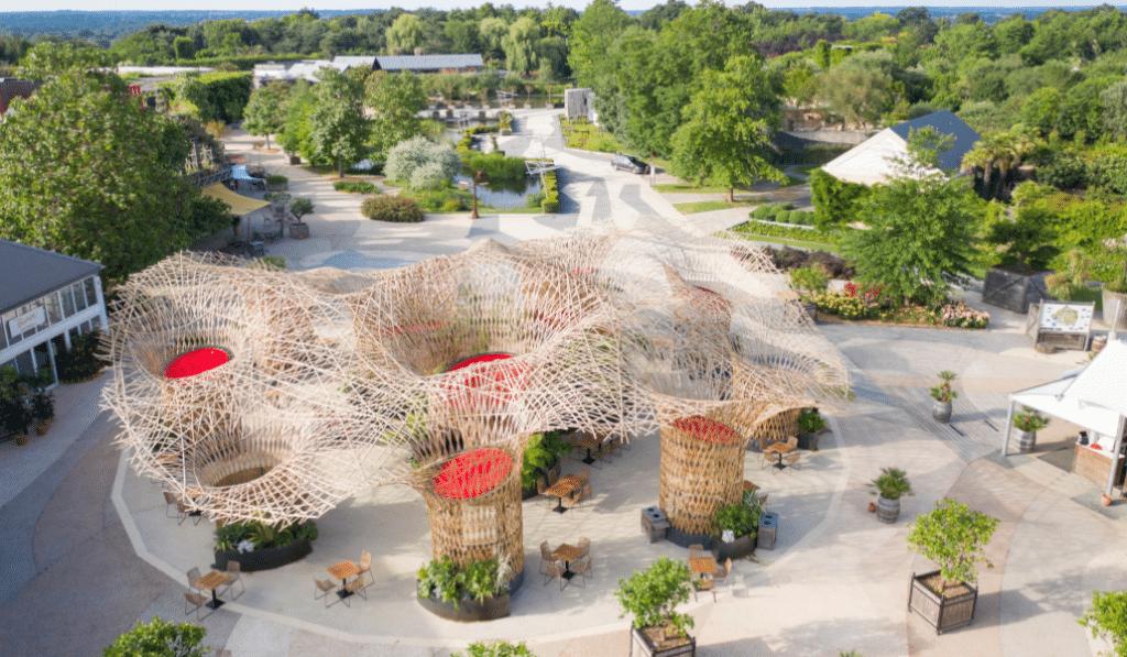 Insolite : un atelier lyonnais crée la plus grande structure en bambou d'Europe !